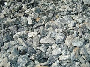 Купить Ландшафтный камень - Крошка «Змеевик» темно-зеленая