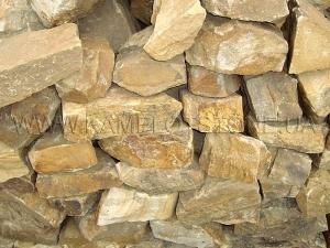 Купить Ландшафтный камень - Песчаник «Скальный» желтый