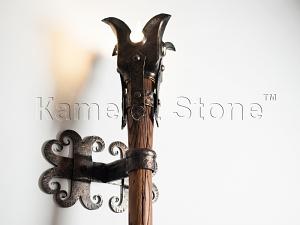 Фасады (фасадные системы) из натурального камня Kings'Stone. - Художественная ковка в интерьере. Светильник в виде факела.
