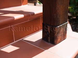 Фасады (фасадные системы) из натурального камня Kings'Stone. - Художественная ковка в экстерьере. Кованые элементы декора на балясинах.